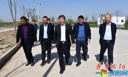 卞建军调研马厂镇经济社会发展和小城市建设工作