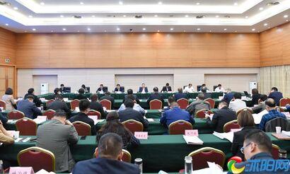 王瑞主持召开县政府十七届六十一次常务会议